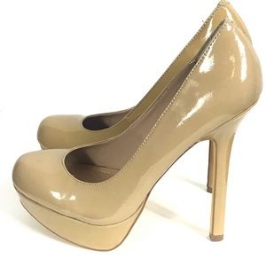 Shoes - Steve Madden Heels Size 8 Tan/Beige Patent Leather